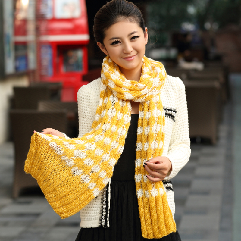 5 Ways To Style Your Winter Scarf