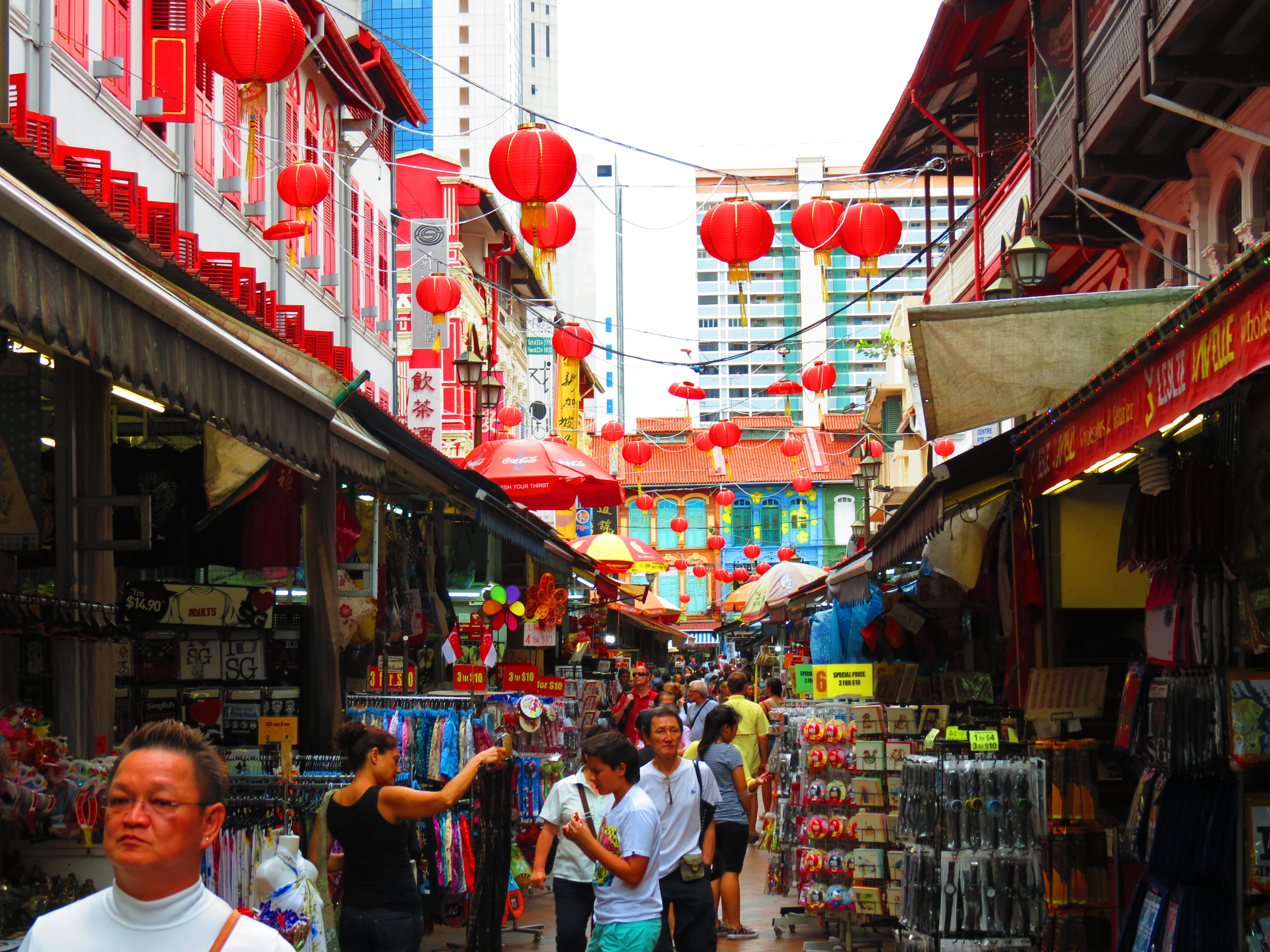 singapore chinatown Chinatown is a classic combination of colourful sights, enticing smells, and sometimes startling sounds the precinct is unique, however, in its.