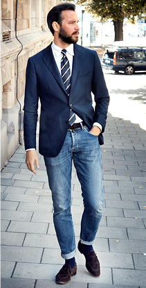MEN [Tabs] MEN'S FASHION TRENDS. LATEST MENS TREND POSTS; MEN'S STYLE TIPS. LATEST MENS STYLE POSTS; How to Wear a Blazer with Jeans Blazer. the choice is yours again. Nearly all blazers will work with blue jeans, but it's best to avoid navy. Sometimes the shades of blue can be too close and create a clashing effect. For a great.
