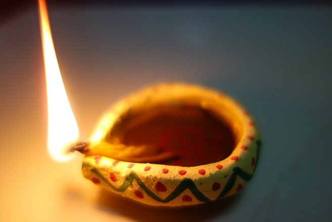 8 Budget-Friendly Tips For Last-Minute Diwali Decor ...