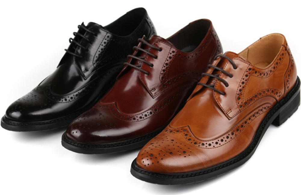A different color than black or brown will really create an entirely new look for your oxford, and dark grey or light grey shoe laces on a black oxford can look very sophisticated. Also, a dark purple on brown can look splendid just as can a blue with white Oxfords.
