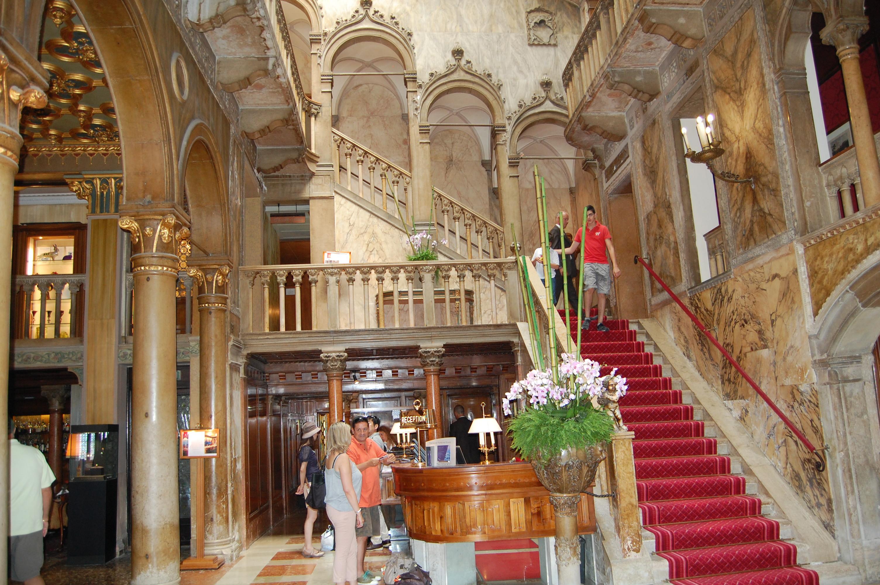 The Best Luxury Hotels in the World | Wonder Wardrobes