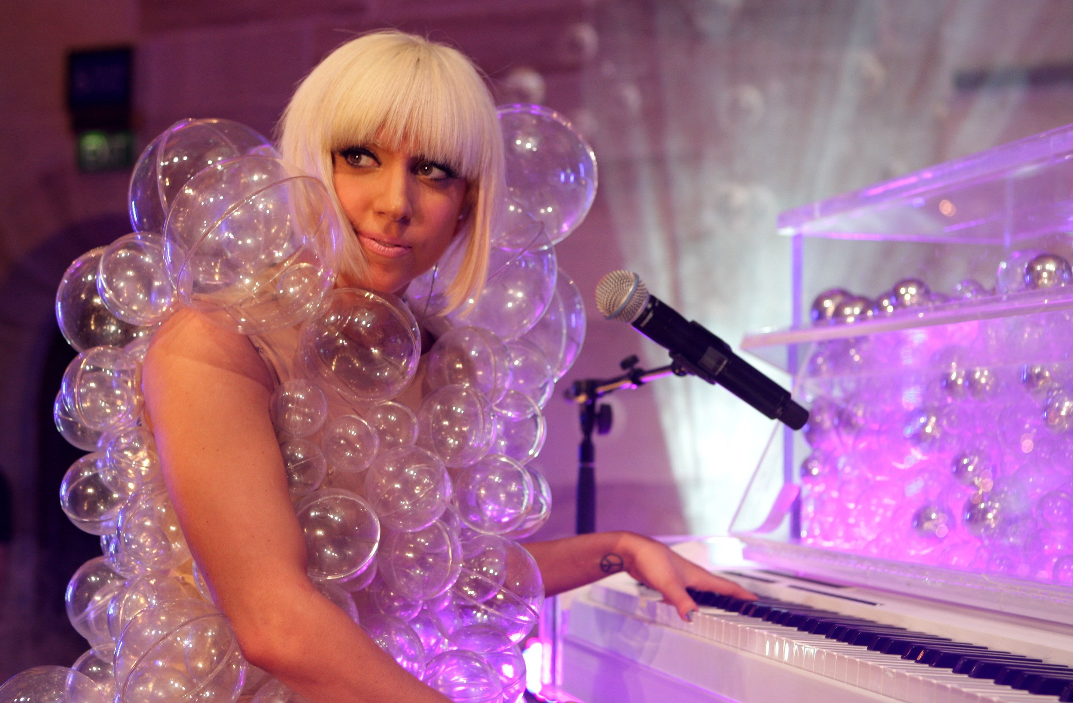 lady gagas 10 most whacky and ridiculous looks wonder