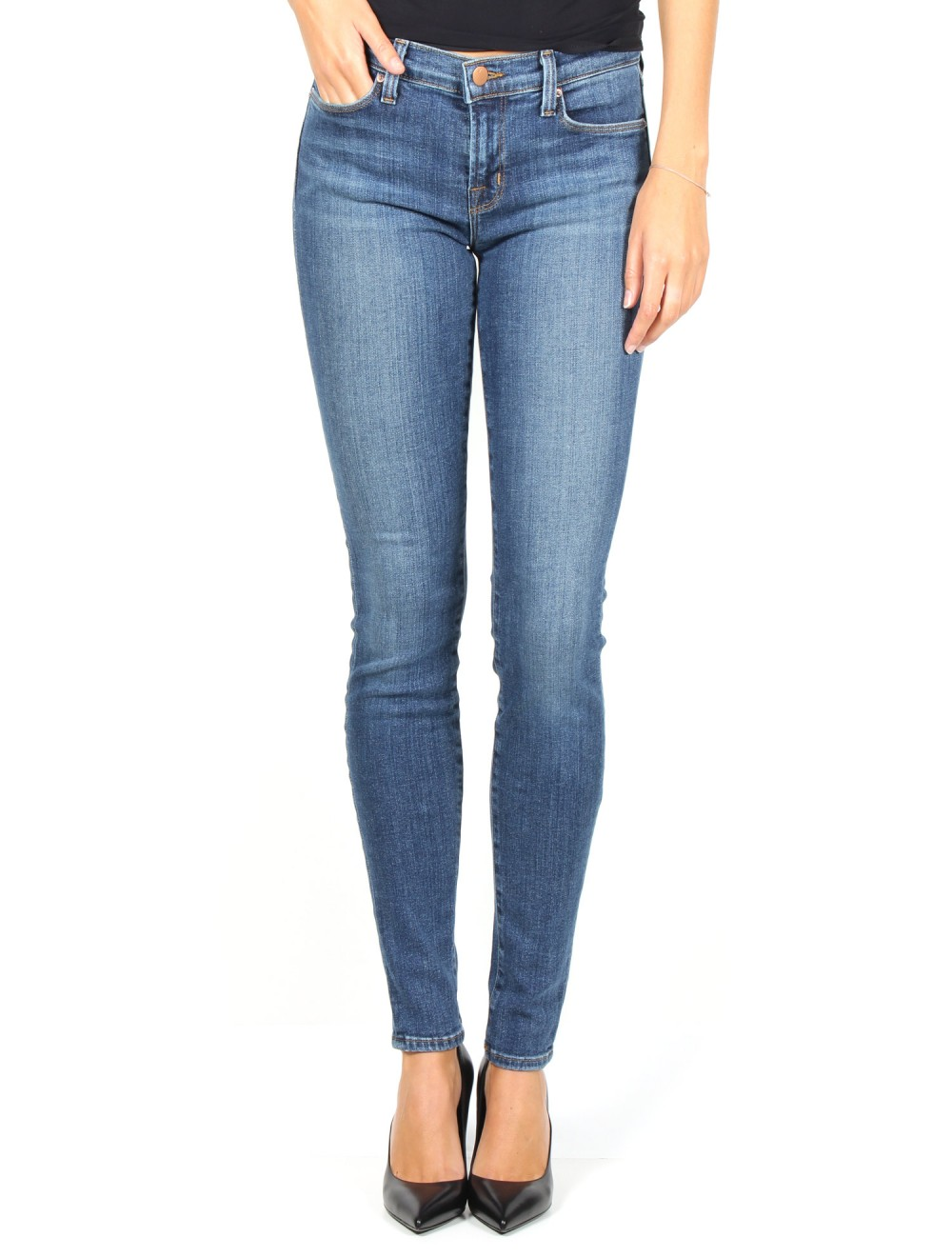 Embrace the 'perfect fit jean' with these Plus Size Bandolino Mandie stretch ring denim jeans for women. The short length bottoms are a straight leg that sits at the waist. The flawless stretch recovery style features belt loops, the classic 5-pocket design, and a zip fly with button front closure..