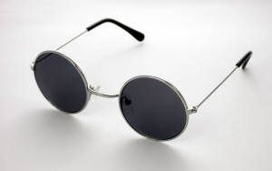 Lennon glasses @Vincent Chase