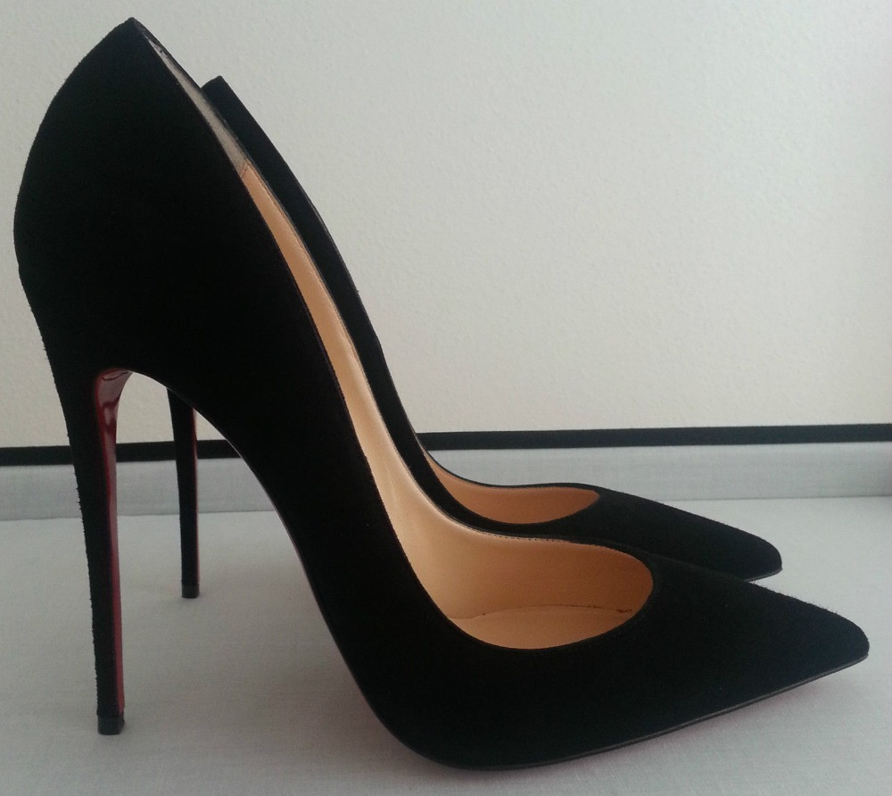 What Kind Of Shoes Have Red Bottoms