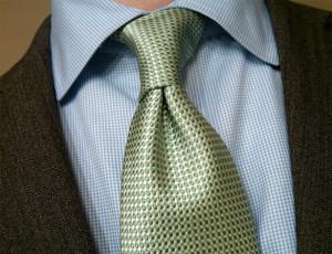 half-windsor-knot