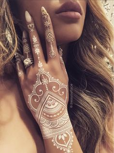 10 unique mehendi designs for Diwali