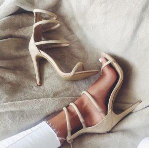 fashion-girl-girly-heels-Favim.com-3939704