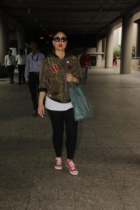 kareena travel look