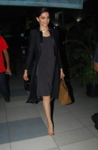 deepika travel look