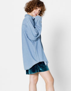 oversized-shirt-with-denim-skirt