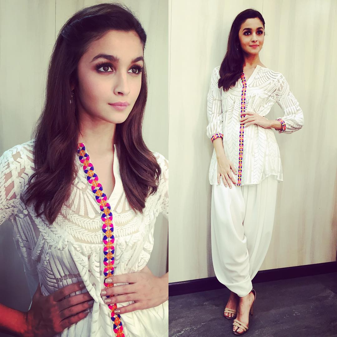Alia Bhatt Dresses In 2 States Images Wallpapersimages Org