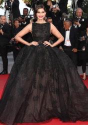 sonam kapoor black gown